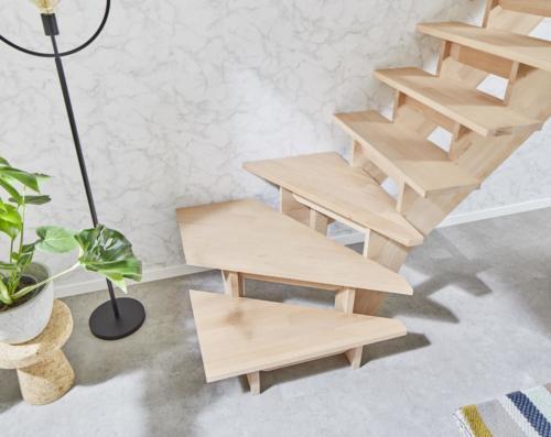 Holztreppe Intercon Nizza | gewendelter Verlauf | ohne Geländer