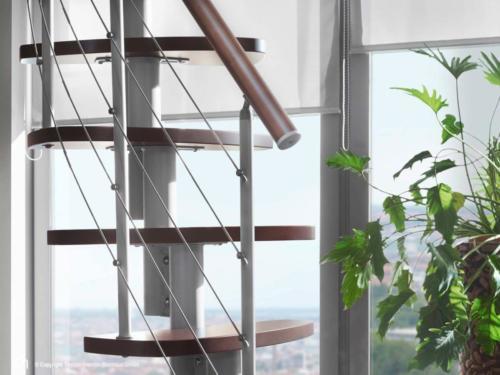Raumspartreppe Euro Step | Metallfarbe Italo-Silber | Stufendesign Buche dunkel