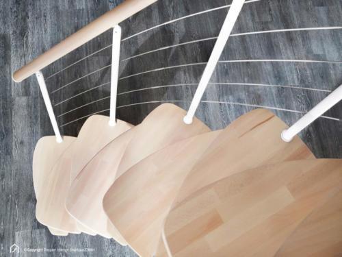 Raumspartreppe Euro Step | Metallfarbe Polar-Weiß | Stufendesign Buche natur