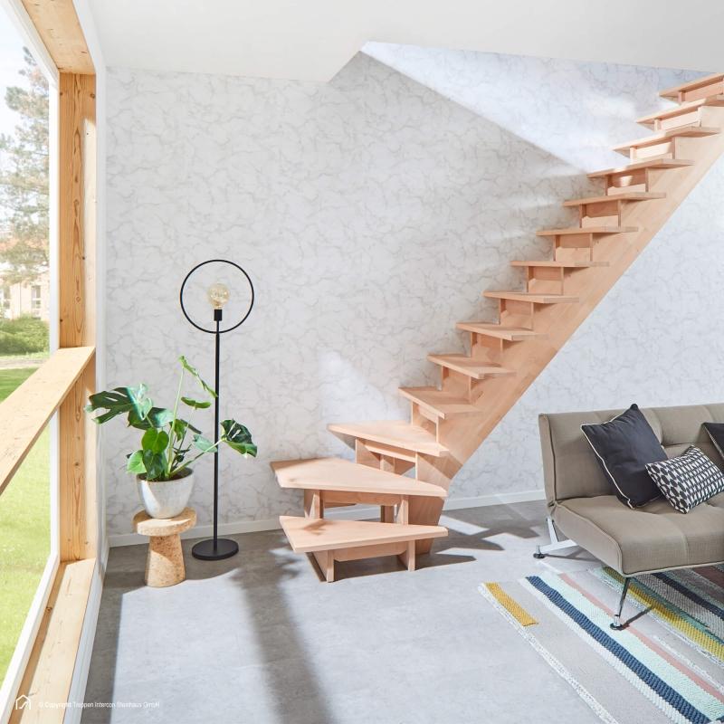 Holztreppe Intercon® Nizza   ¼ gewendelter Verlauf