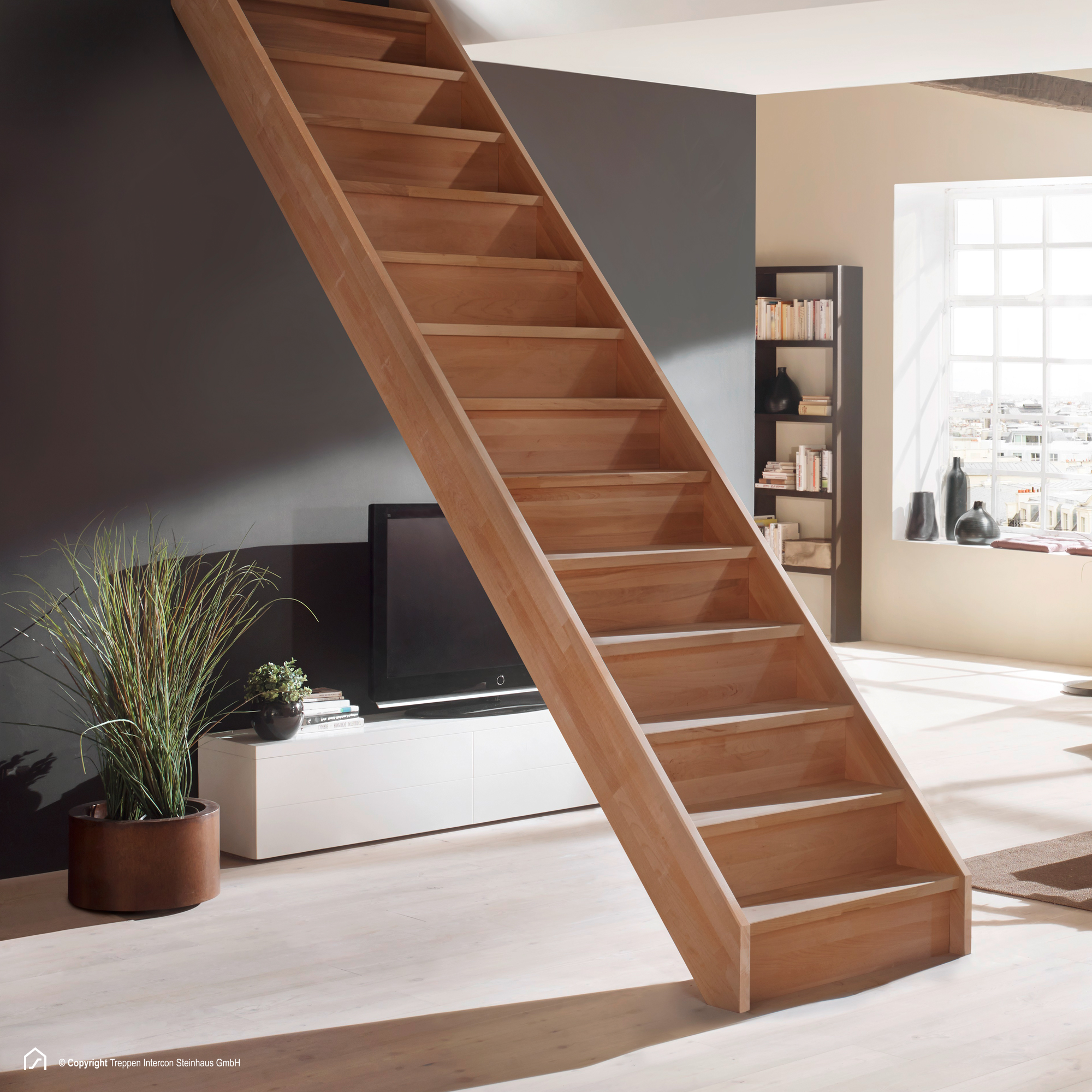 holztreppe savoy hier sofort ab lager treppen intercon. Black Bedroom Furniture Sets. Home Design Ideas