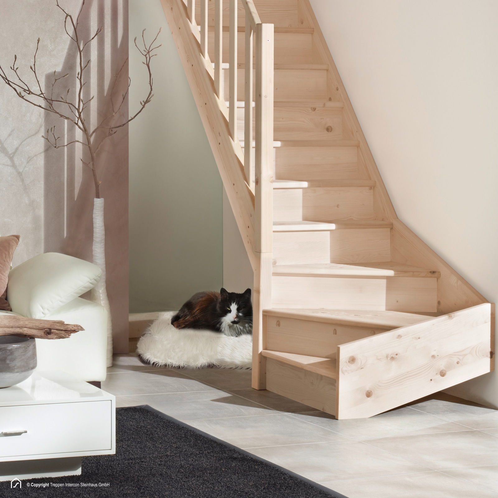 massivholztreppen 1 4 gewendelt aus buche treppen intercon. Black Bedroom Furniture Sets. Home Design Ideas