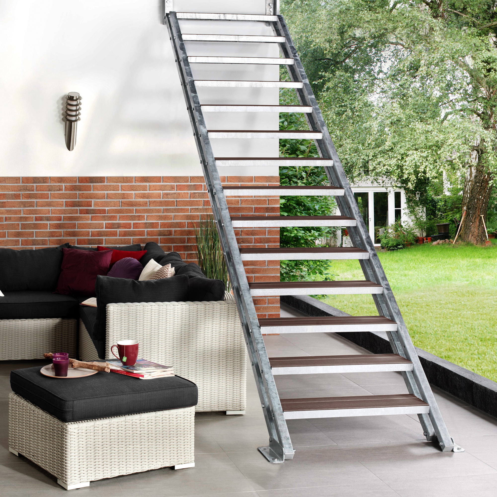 stahltreppe f r au en bei souterrain keller oder balkon. Black Bedroom Furniture Sets. Home Design Ideas